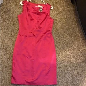David Meister sleeveless dress with brooch
